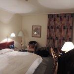 Chambre correct spacieuse sans charme