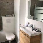Salle de bain chambre 10 entièrement rénovée en mars 2017