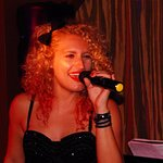 Jenna sings