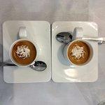 café avec meringue maison ( nous les avons ajoutées nous-même sur le café hum essayez)