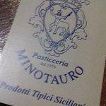 Pasticceria di eccellente 10elode Buona sia la pasta di mandorla che i deliziosi cannoli. Se vi