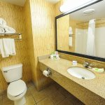 Photo de Holiday Inn Express & Suites Bowling Green