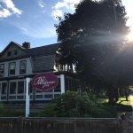 The Pettigrew Inn