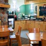 Americ Inn Worthington Breakfast Area