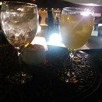 Copas en el chill out/ jardín del hotel (6'50€ gin tonic)
