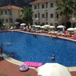 Beautiful friendly hotel so close to all amenities, flat walk with something for everyone!!