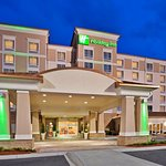 Photo de Holiday Inn Hotel & Conference Center