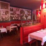 Avec une déco moderne et de bon goût le place Bernard est très agréable.