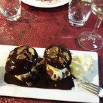 Un grand classique mais délicieux ; profiteroles au chocolat !