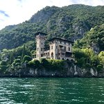 One of the many gorgeous villas you will see on Lake Como
