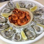 cold combo ( cajun shrimp and oysters )