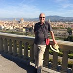 The tour started with a drive to the top of Piazzale Michaelangelo for a spectacular vista