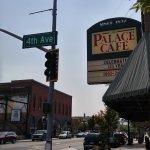 صورة فوتوغرافية لـ Palace Cafe