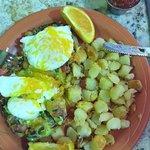 Huevos Avocado