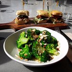 Tandoori chicken sliders and broccoli with almonds