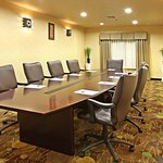 Photo de Holiday Inn Express & Suites Marshall