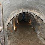 L'entrée de l'ancien cellier qui sert aujourd'hui de salle au trésor.