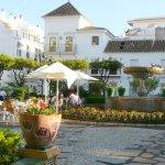 Foto de Plaza de las Flores de Estepona