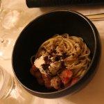 spaghettini aux gamabas grains de café et amandes