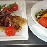 Tócsi szalonnával és grill zöldségekkel