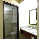 Photo de Drury Inn & Suites Charlotte University Place