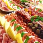 Italian deli and small restaurant