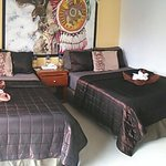 Suite 2 queen beds, sofa, flat screen, fridge , coffee maker, safe