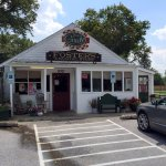 A Country-Style Restaurant with Easy Parking