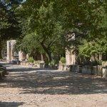 La voie romaine avec ses tombes et mausolées
