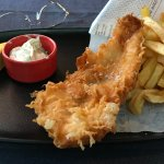 Fish and chips (poisson excellent mais frites moyennes).