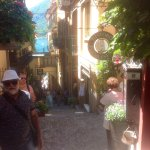 Ladeira com uma vista pitoresca para chegar ao restaurante e centrinhos de Bellagio.