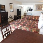 Room with 2 Queen Beds - Non-Smoking - No Pets