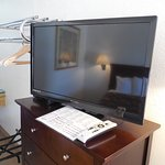 """32"""" HD Flat Screen TVs with DirecTV in every room"""