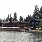 Photo de Shore Lodge