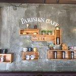 Foto de Parisien Cafe