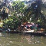 Photo de Bentota Lake