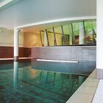 Piscine de natation en eau de mer chauffée et salle de musculation