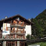 Photo de Hotel Beau Sejour
