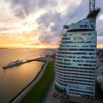 ATLANTIC Hotel SAIL City im Sonnenuntergang