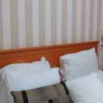 Большая удобная кровать. Бельё меняли ежедневно и убирали в номере