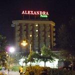 Alexandra Plaza Foto