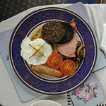 DIVINE homemade Scottish breakfast with high quality ingredients, served in a beautiful dining r