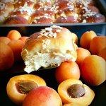 Aprikosenhefegebäck
