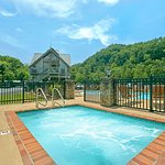 After shopping or hiking, enjoy our outdoor hot tub area.