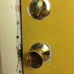 had to left the door 2 cos so the lock would work....