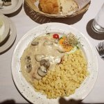 Rahm Schnitzel(pork cutlet with mushroom cream sauce)
