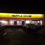 Waffle House in Port Allen, LA 8/27/2017 4am