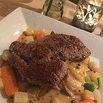 Rib Eye Steak with Dauphinoise Potatos, Veg & Peppercorn Sauce