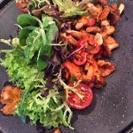 Sautéed chanterelles mixed leaves | Balsamico dressing | cherry tomatoes