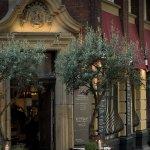 Mercato Deluxe, Außenansicht, Eingang